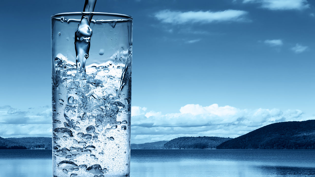 Benefits of drinking water in the morning, drinking water in the morning, advantages of drinking water, importance of drinking water in the morning, health benefits of drinking water in the morning